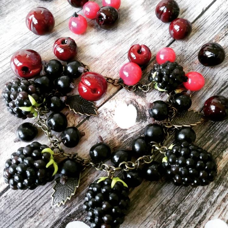 браслет с фруктами из полимерной глины