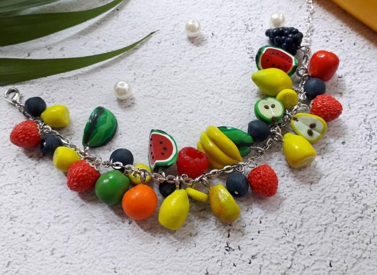 брасоет фрукты из полимерной глины